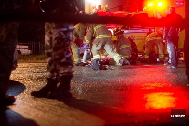 Une jeune femme de 19 ans a été happée jeudi soir par un véhicule alors qu'elle... (Imacom, Julien Chamberland)