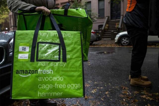 Amazon a accusé au troisième trimestre une lourde... (Photo Brendan McDermid, Reuters)