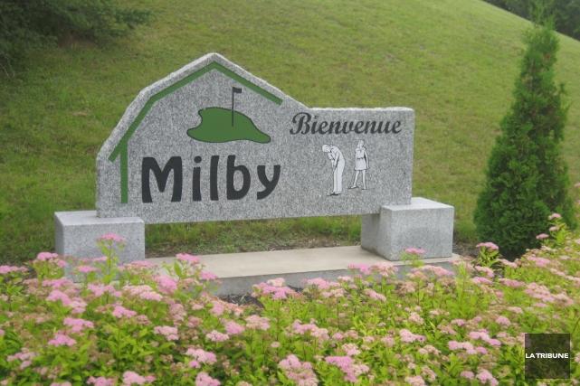 Les travailleurs syndiqués du Club de golf Milby ont entériné à 100% une... (Archives La Tribune)