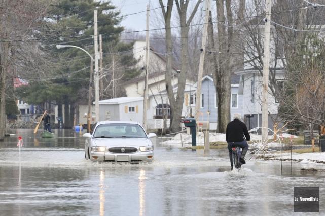 La route Langue-de-Terre à Maskinongé est régulièrement inondée... (Photo: Émilie O'Connor, Le Nouvelliste)