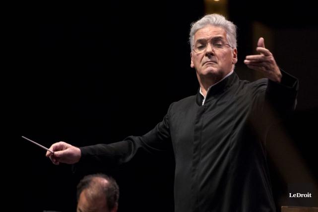 Pinchas Zukerman, chef d'orchestre de l'Orchestre du Centre... (Martin Roy, Archives LeDroit)