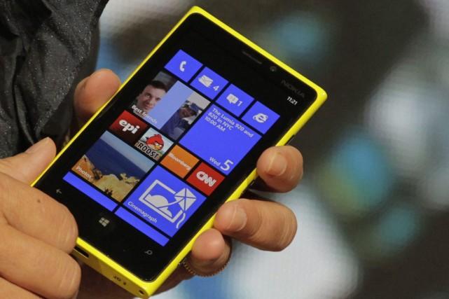 Sur la photo, le Lumia 920 de Nokia.... (Photo Archives Reuters)