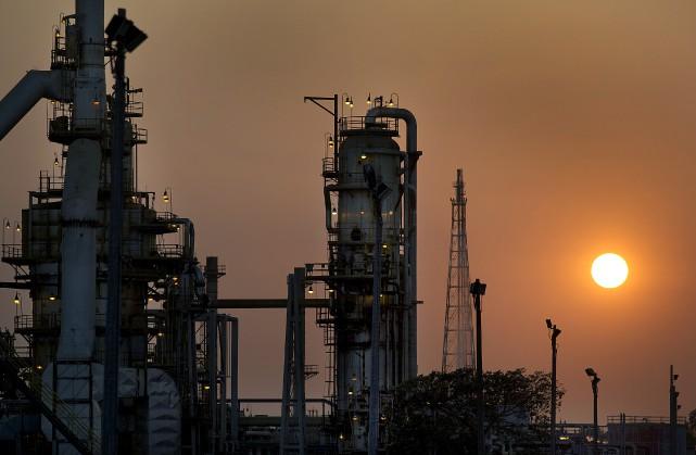 Le transport du pétrole vers des marchés internationaux... (Archives Bloomberg)