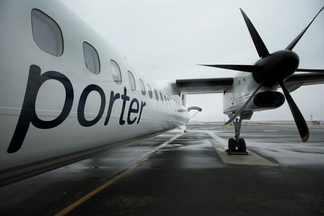 Le transporteur aérien Porter Airlines a été mis à l'amende par le Conseil de... (Photo Brent Lewin, Archives Bloomberg)