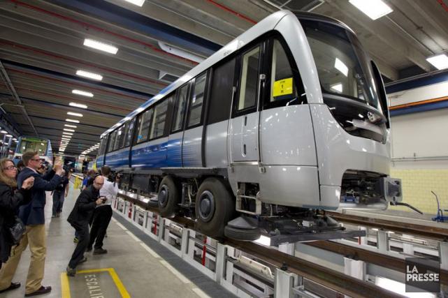 Les nouvelles voitures du métro de Montréal devaient... (PHOTO ALAIN ROBERGE, ARCHIVES LA PRESSE)