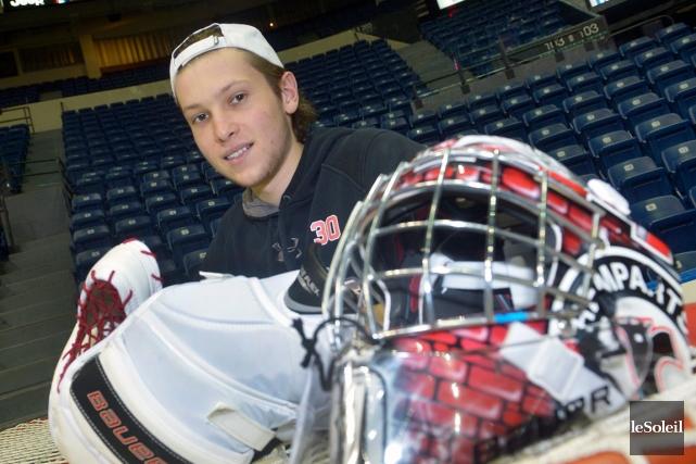 Callum Booth a commencé au hockey comme défenseur... (Le Soleil, Jean-Marie Villeneuve)