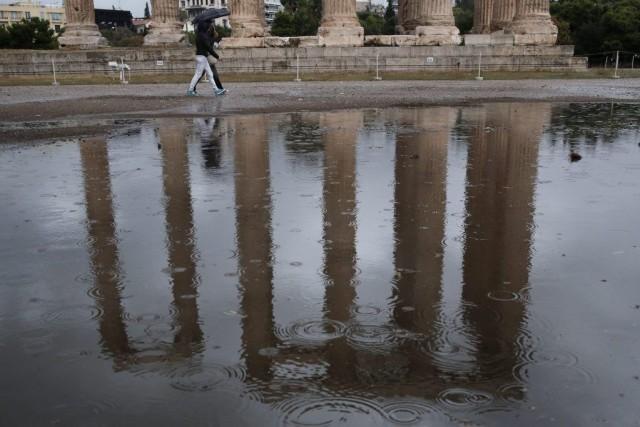 L'Attique, la région d'Athènes, a particulièrement été touchée... (PHOTO PETROS GIANNAKOURIS, AP)