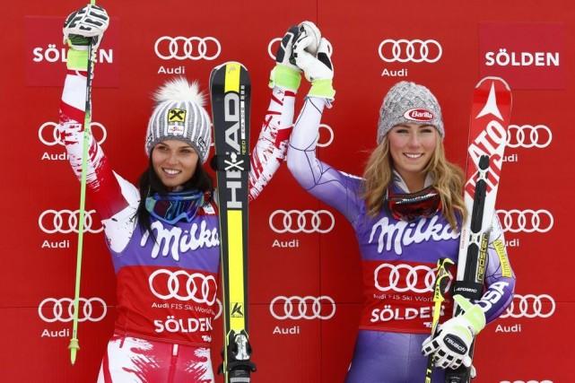 Anna Fenninger et Mikaela Shiffrin... (Photo Giovanni Auletta, AP)
