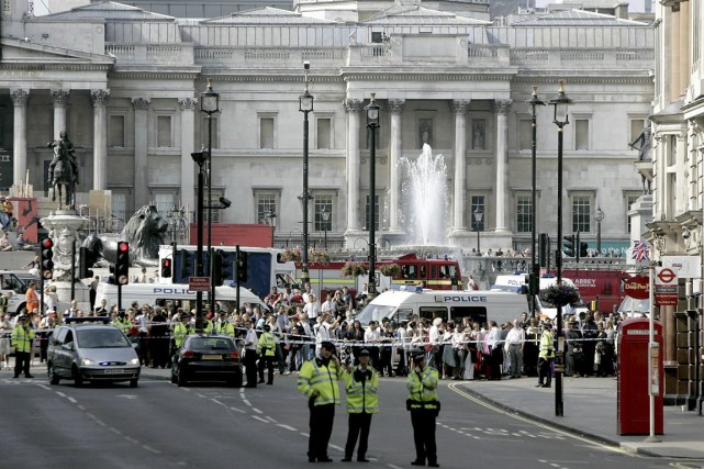 Les attentats-suicide d'islamistes de 2005 avaient fait 56... (PHOTO MATT DUNHAM, ARCHIVES AP)
