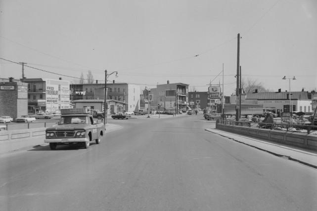 Le pont Drouin en avril 1964... (Photo Archives Ville de Québec  (numéro du négatif N005916))
