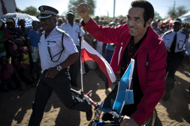 Ian Khama... (PHOTO MARCO LONGARI, AFP)