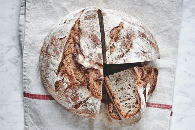 Un des pains du livre Boulange et Boustifaille... (Photo Albert Elbilia)