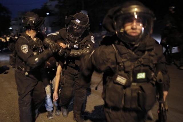 Depuis mercredi, les violences secouent Jérusalem-Est jour et... (Photo: AFP)