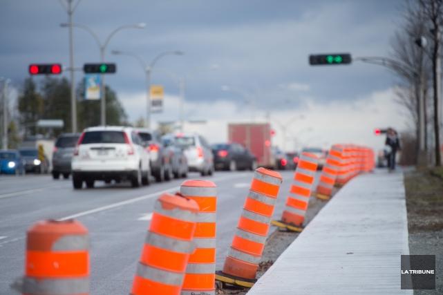 La piste cyclable que la Ville de Sherbrooke est en train d'aménager face au... (Imacom, René Marquis)