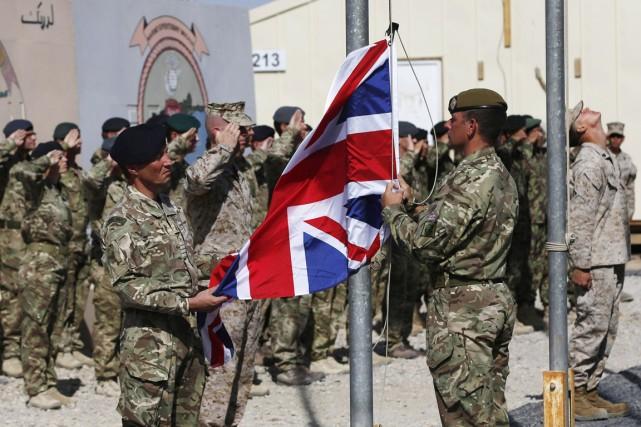 Les Britanniques assumaient depuis 2006 le commandement de... (PHOTO OMAR SOBHANI, REUTERS)