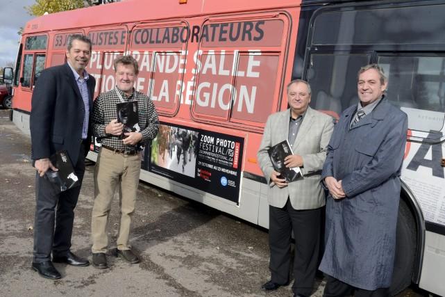 Jacques Fortin, directeur de la Pulperie, Michel Tremblay,... ((Photo Jeannot Lévesque))