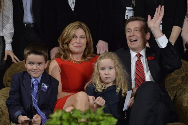 John Tory, sa femme Barbara Hackett, leurs petits-enfants... (La Presse Canadienne, Nathan Denette)