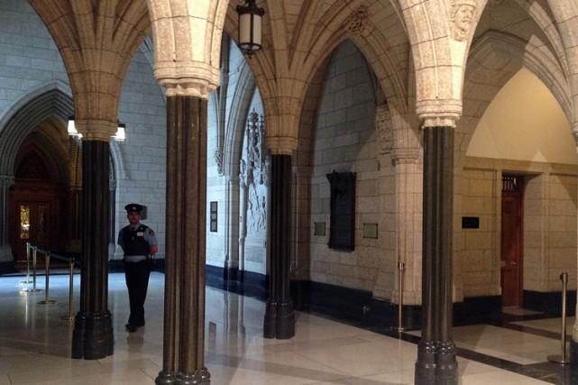 «Tous les gardes [de la Chambre des communes]... (PHOTO MICHEL COMTE, AGENCE FRANCE-PRESSE)