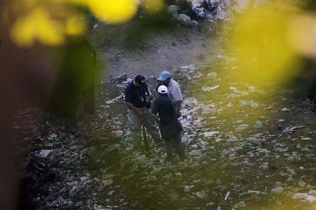 La nouvelle fosse clandestine a été découverte à... (Photo JESUS GUERRERO, AFP)