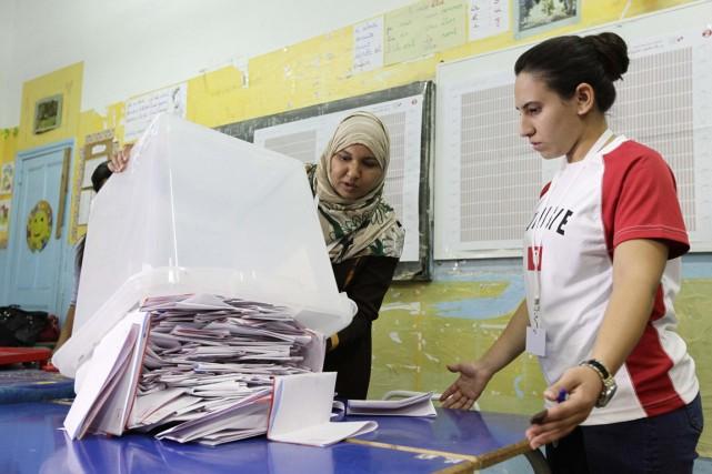 Les Tunisiens se sont rendus aux urnes le... (Photo ANIS MILI, Reuters)