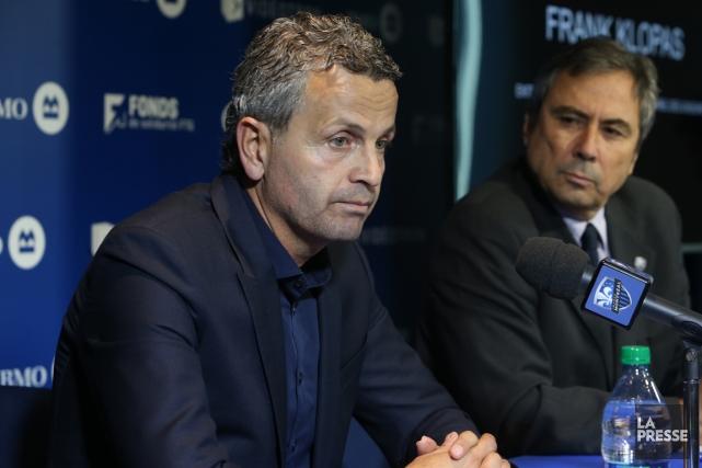 L'entraîneur Frank Klopas avait la mine basse lors... (Photo Martin Chamberland, La Presse)