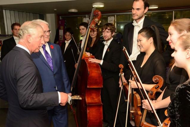 C'est devant le prince Charles que l'Orchestre du... (Courtoisie de Fred Cattroll)