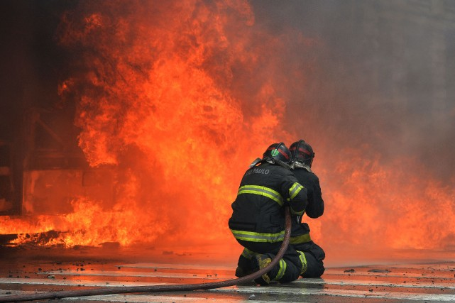 Les pompiers ont mis deux heures à venir... (Photo NELSON ALMEIDA, Archives AFP)