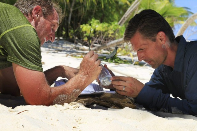 Jeff Flake et Martin Heinrich dans Rival Survival.... (Photo: AP)