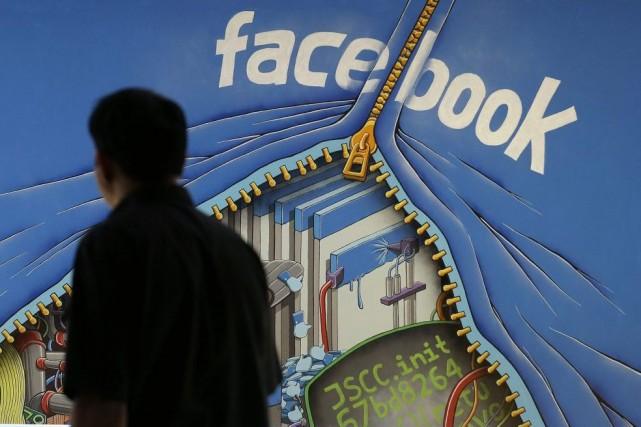 Facebook profite toujours de ses bonnes performances dans... (Photo Jeff Chiu, AP)
