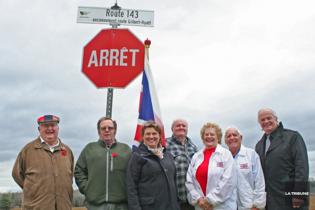 De gauche à droite, Lewis Downey de Patrimoine-Ascot-Heritage,... (La Tribune, Maryse Carbonneau)