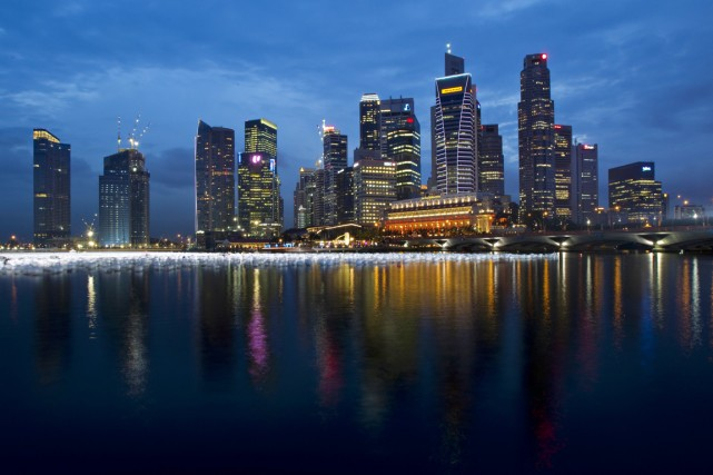 Singapour, une ville État d'un peu plus de... (PHOTO TIM CHONG, ARCHIVES REUTERS)