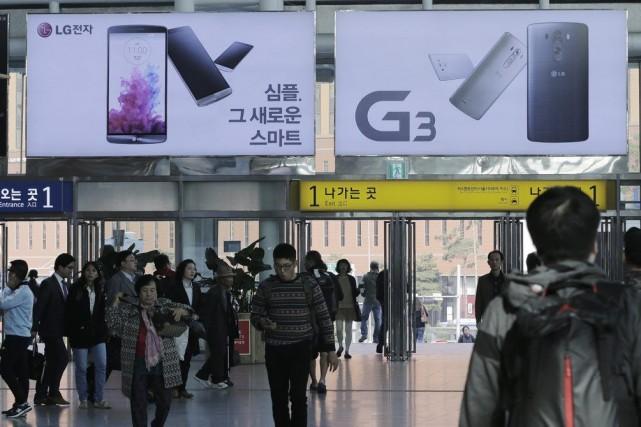 Plus de 20000 téléphones intelligents ont pu être... (Photo Ahn Young-joon, AP)