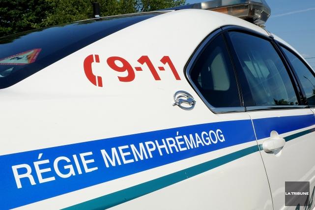 Un Magogois a été arrêté pour avoir utilisé une arme à feu à partir de son... (Archives La Tribune, Frédéric Côté)