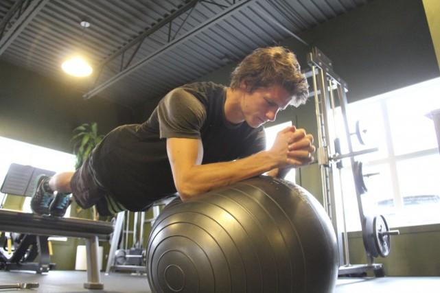 Maxence Parrot à l'entraînement, dans un gymnase de... (photo Janick Marois)