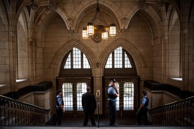 Le syndicat représentant les gardes de sécurité de la Chambre des communes a... (Agence France-Presse)