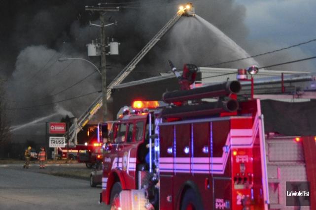 La scène qui s'offrait aux pompiers et à... (photo archives La Voix de l'Est)