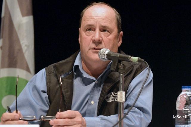 Le président du syndicat des cols blancs de... (Le Soleil, Pascal Ratthé)