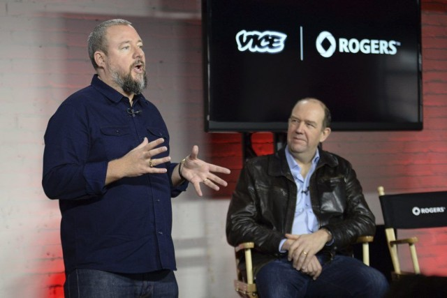 Le co-fondateur de Vice, Shane Smith (à gauche),... (Photo Nathan Denette, PC)