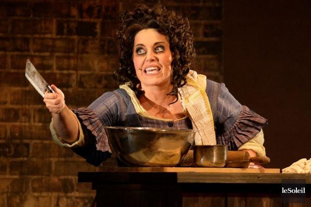 Forte en voix, Katee Julien campe dans Sweeney... (Le Soleil, Pascal Ratthé)