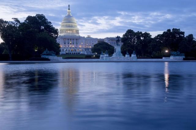 Les Américains éliront mardi un nouveau Congrès, qui... (PHOTO ANDREW HARRER ARCHIVES BLOOMBERG)