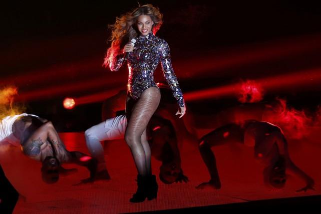 Beyoncé lors de sa prestation aux MTV Video... (Photo: Reuters)