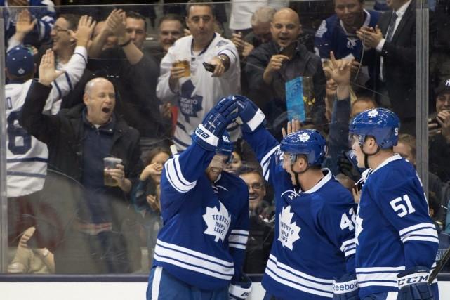 Phil Kessel a récolté son sixième but de la saison et les Maple Leafs de... (Photo PC)