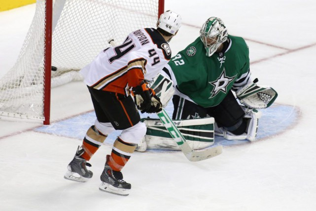 Nate Thompson a marqué à 2:30 en prolongation et les Ducks d'Anaheim ont battu... (Photo AP)