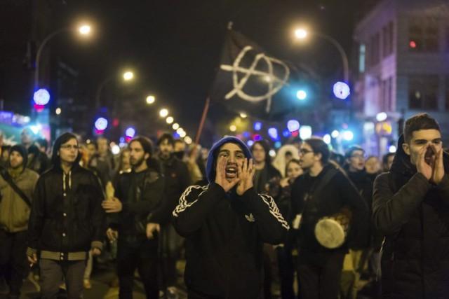 Les manifestants - parfois déguisés ou masqués -... (PHOTO ULYSSE LEMERISE, COLLABORATION SPÉCIALE)