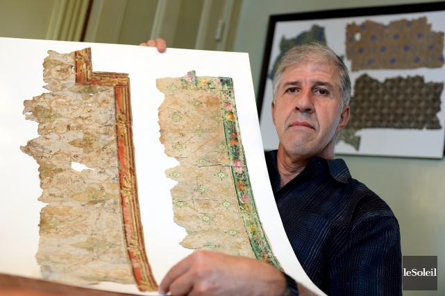 Raynald Bilodeau se passionne pour les papiers peints... (Le Soleil, Erick Labbé)