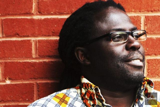 En solo, Élage Mbaye se pique de faire... (Etienne Ranger, LeDroit)
