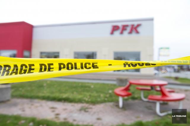 Le stationnement du restaurant PFK situé sur la... (IMACOM, Julien Chamberland)