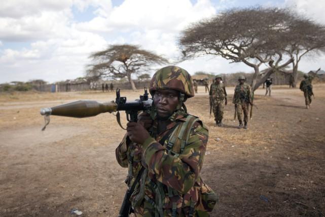 Selon l'armée, les jeunes étaient armés de machettes.... (Photo Ben Curtis, Archives AP)