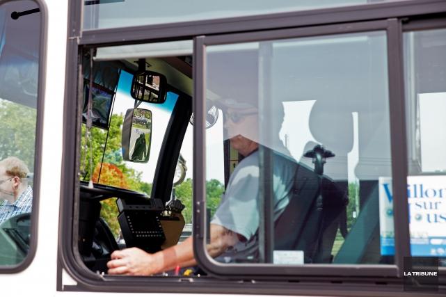 Le Regroupement des utilisateurs du transport adapté de Sherbrooke s'inquiète... (Archives La Tribune)