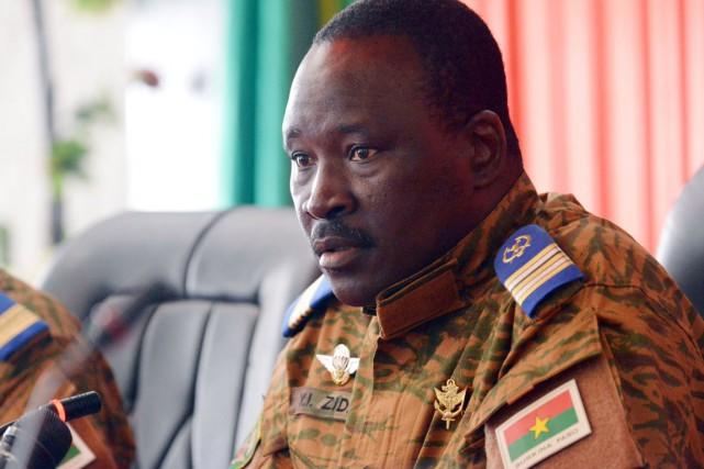 Le lieutenant-colonel Isaac Zida,chef de l'État intérimaire du... (PHOTO ISSOUF SANOGO, AFP)